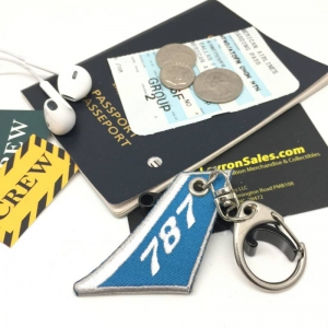 787 Vertical Stablizer wing cockpit cabin crew flight attendant luggage bag tag keychain