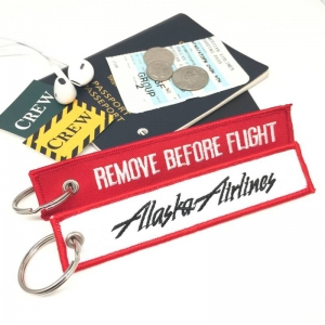Alaska Airlines REMOVE BEFORE FLIGHT attendant pilot luggage bag tag keychain