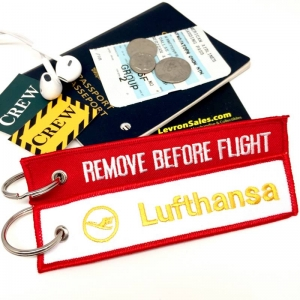 Lufthansa REMOVE BEFORE FLIGHT attendant pilot luggage bag tag keychain