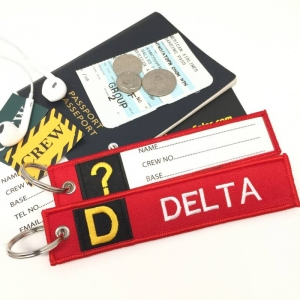 D Delta Tag w/ name card on back Flight Attendant pilot cabin crew luggage bag tag keychain